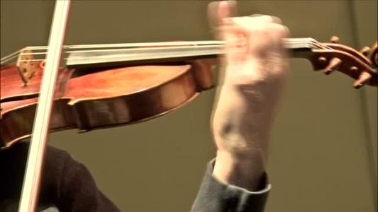 Local concert features 300-year-old violin_1176231626582412209