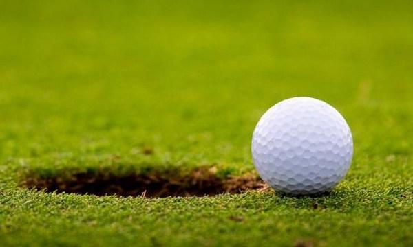 Golf-ball-on-edge-of-hole-jpg_159413_ver1_20161221052402-159532