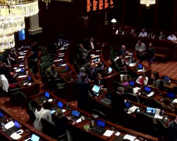 IL Tax Bill in Springfield_87802968