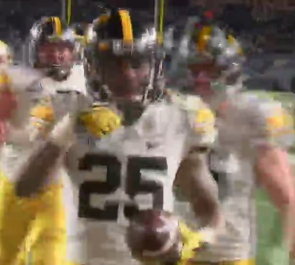 Iowa seniors a big reason for Pinstripe Bowl win