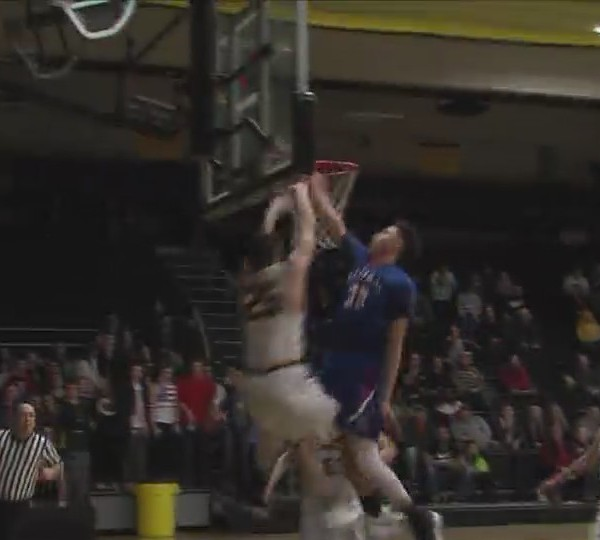 Bettendorf boys defeat Central in playoff action