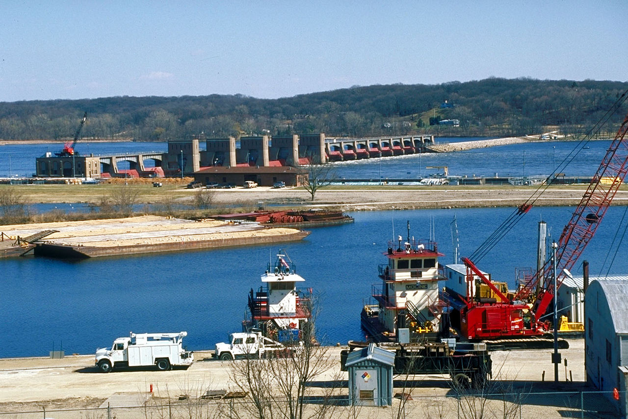 Mississippi_River_Lock_and_Dam_number_14_1520443374935.jpg