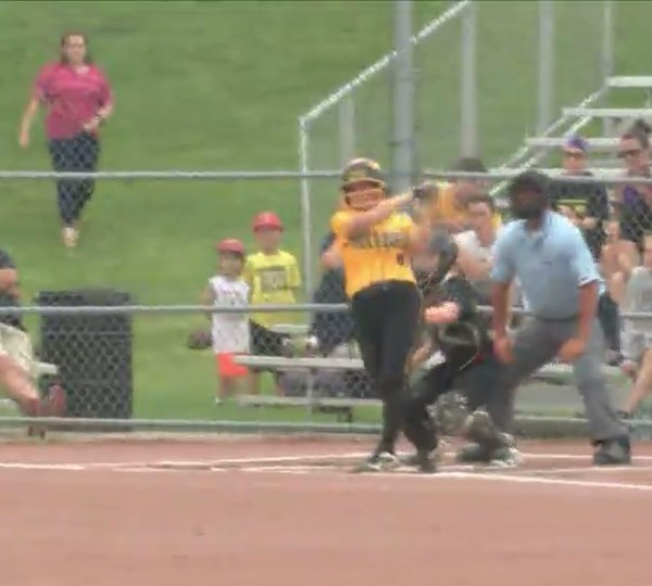 Bettendorf softball sweeps Clinton at home