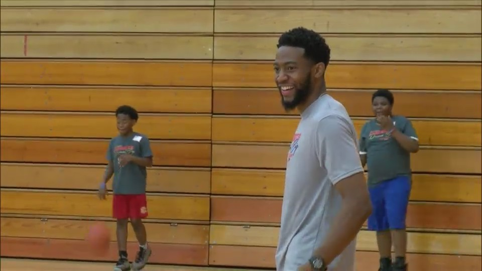 Chasson Randle hosts second annual Dream Big Basketball Camp