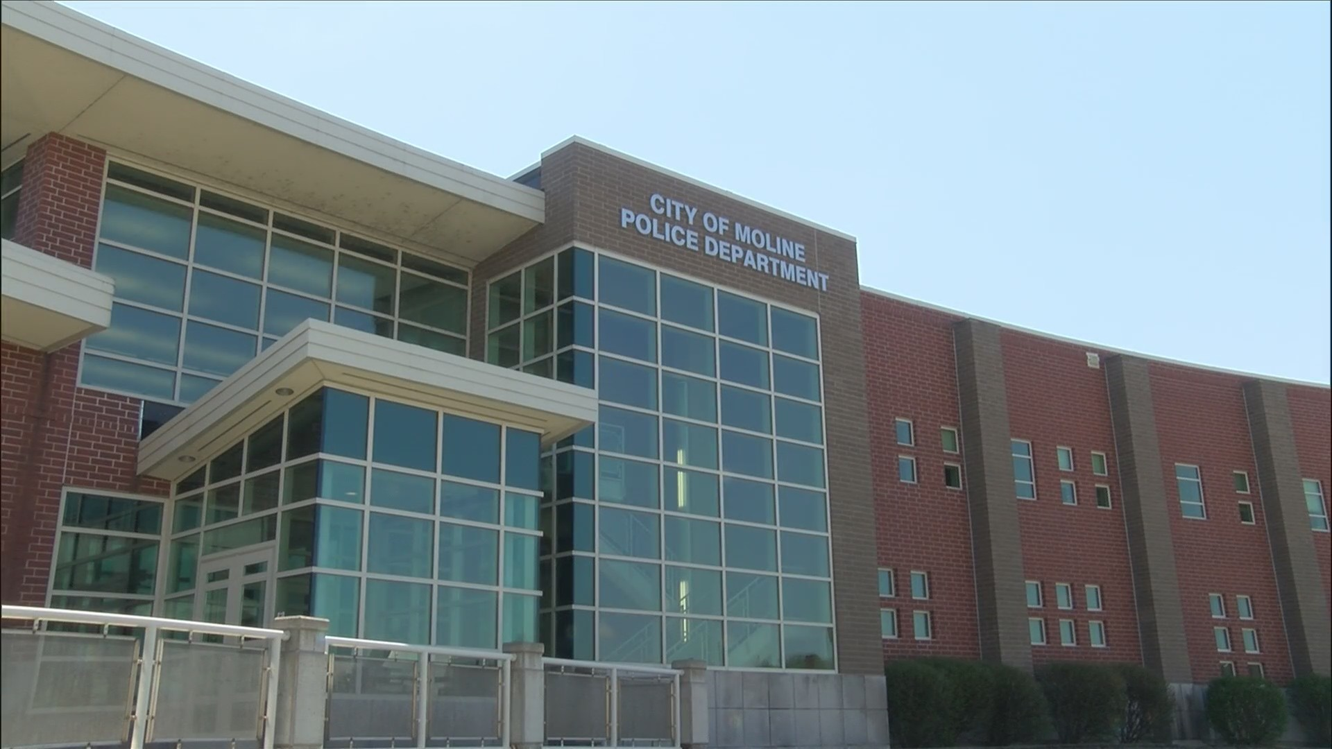 Moline's police chief search could cost less than last time