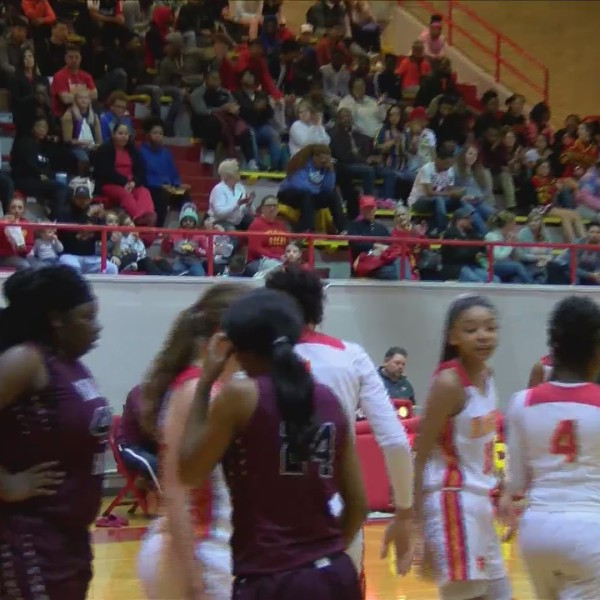 Rock Island Girls win 69-60.