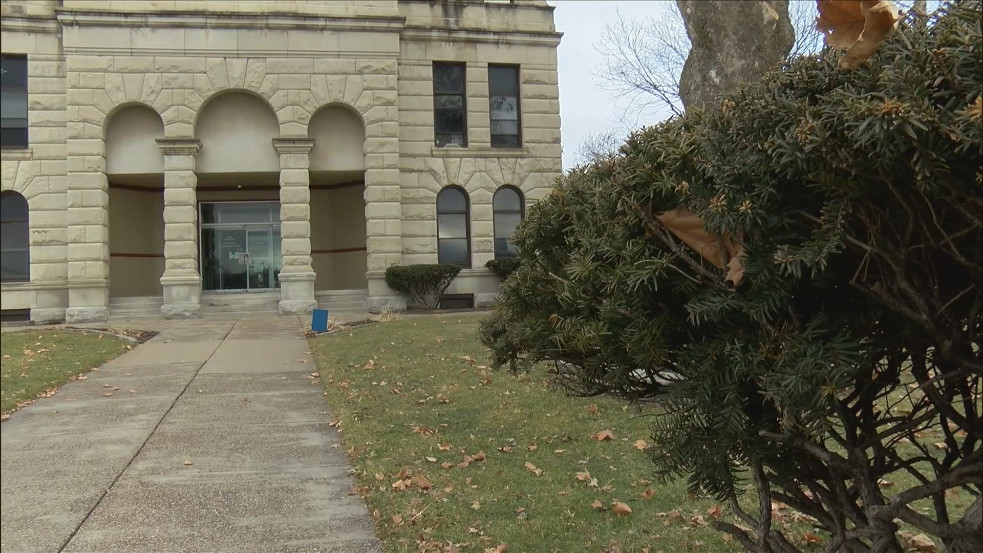New hope for Rock Island County Courthouse