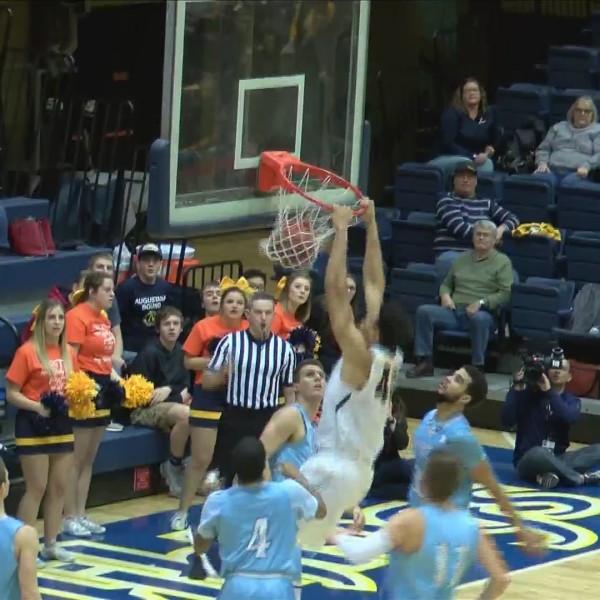 Vikings take charge of conference, win 16th-straight
