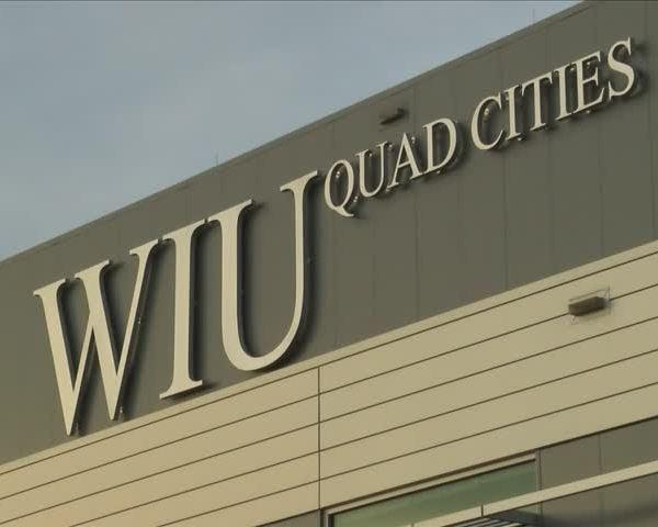 Western Illinois University considers cutting majors_21320577-159532