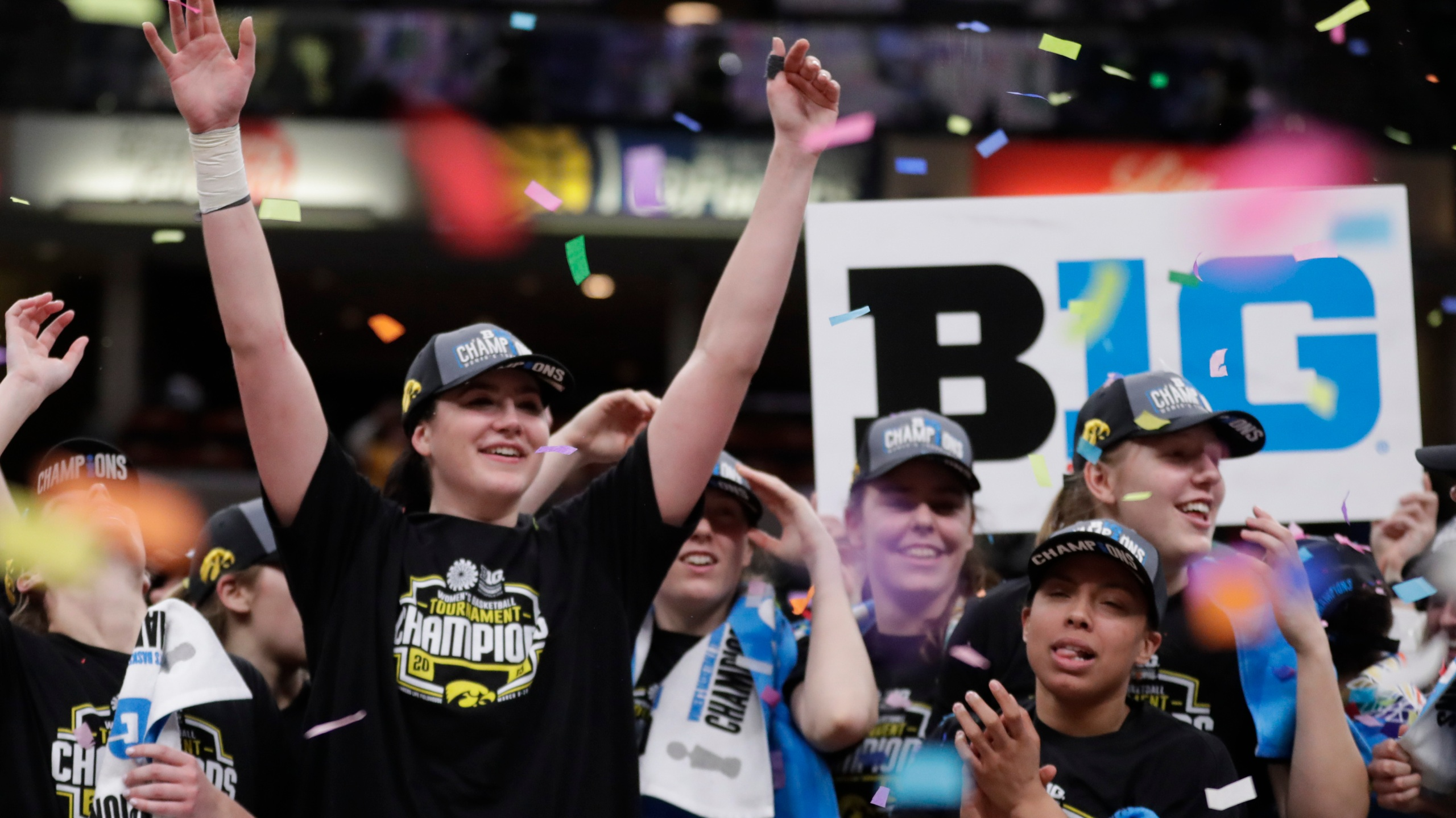 B10_Iowa_Maryland_Basketball_47642-159532.jpg71155808