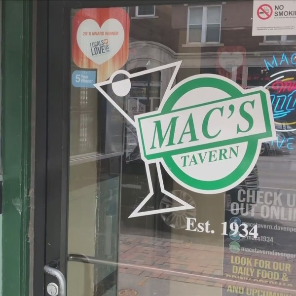 Foodie Friday: Mac's Tavern