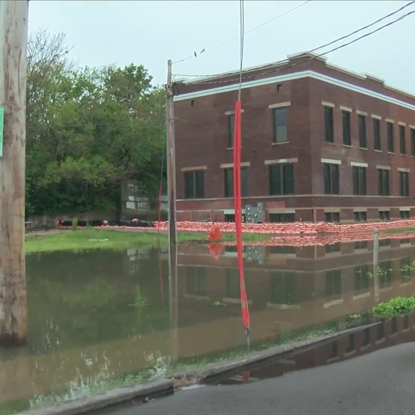 Federal Street flood blocking access to business