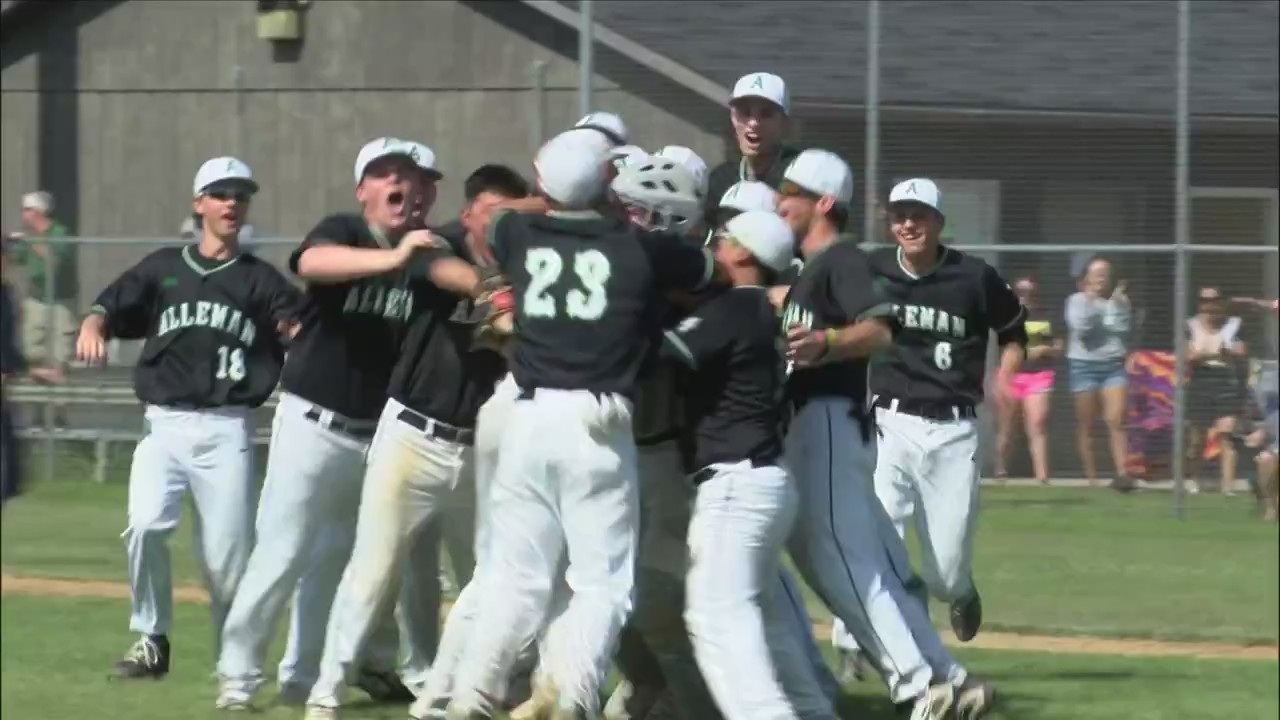 Late heroics propel Pioneers to super-sectionals