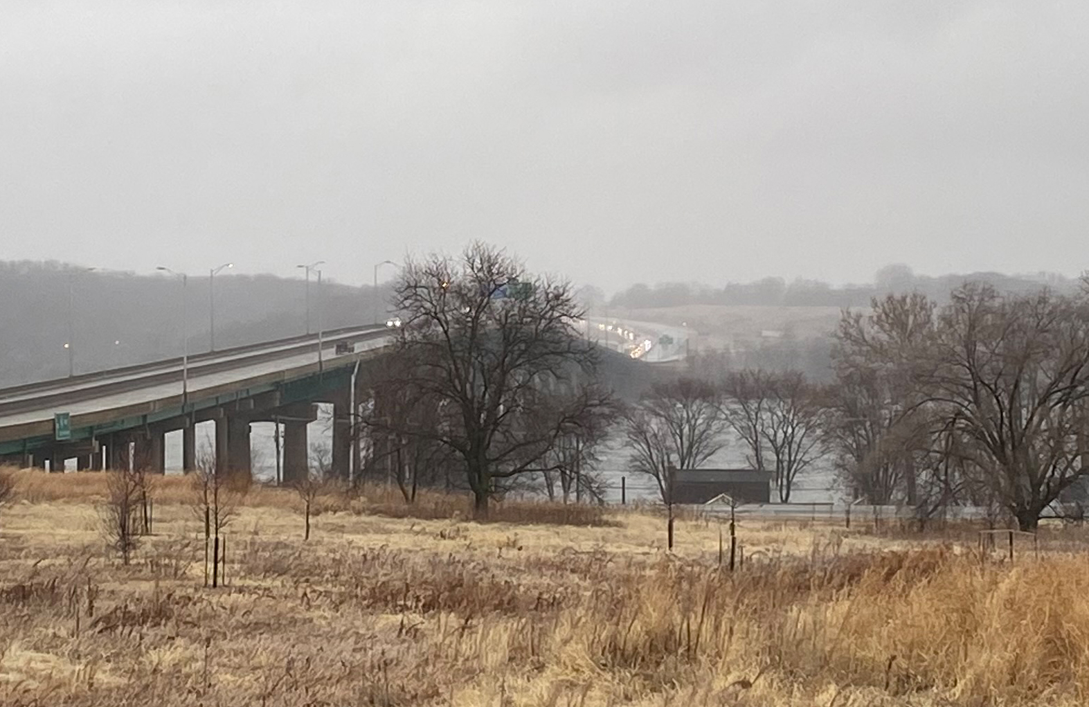 Traffic backup on the 1-80 Bridge near LeClaire, Iowa on Januray 11, 2020 (Joshua Vinson, Ourquadcities.com))