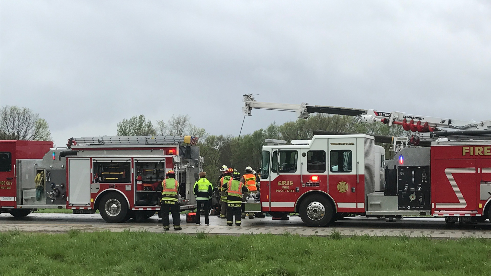 Emergency crews respond to a serious accident on I-88 near Joslin, Ill. on May 5, 2020 (photo: Mike Colón, OurQuadCities.com)