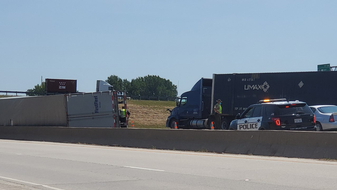 A semi truck rolled over near the I-80/I-88 interchange in Illinois on July 24, 2020 (photo: Ryan Risky, OurQuadCities.com).