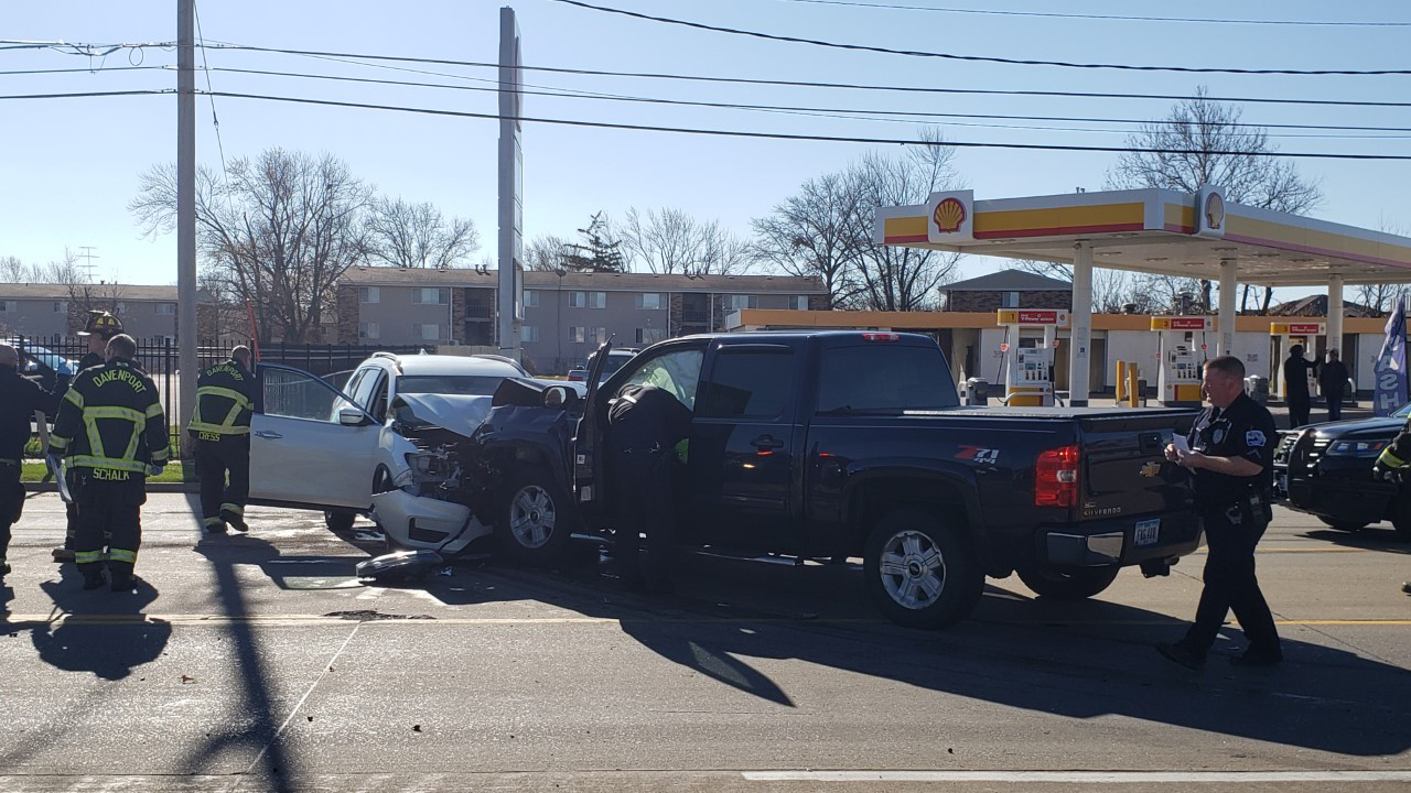 A car and pickup truck collided head on on West Locust Street near Emerald Drive in Davenport on November 11, 2020 (photo: Bryan Bobb, OurQuadCities.com).