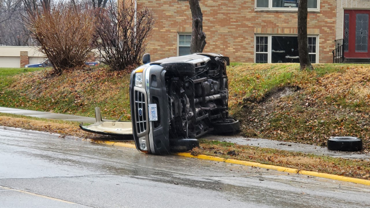 Emergency crews responded to a rollover accident at Kennedy Drive and 20th Avenue in East Moline on November 24, 2020 (photo: Ryan Risky, OurQuadCities.com).
