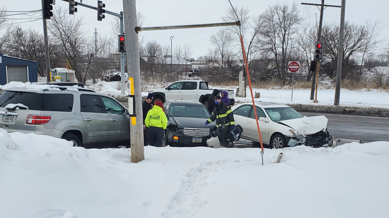 Emergency crews investigate a two vehicle accident at the intersection of West Central Park Avenue and North Lincoln Avenue in Davenport on February 19, 2021 (photo: Ryan Risky, OurQuadCities.com).